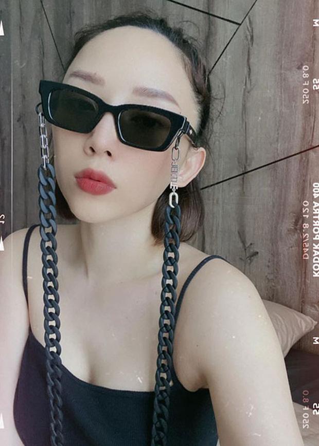 Sao mang kính Jennie 1996 01